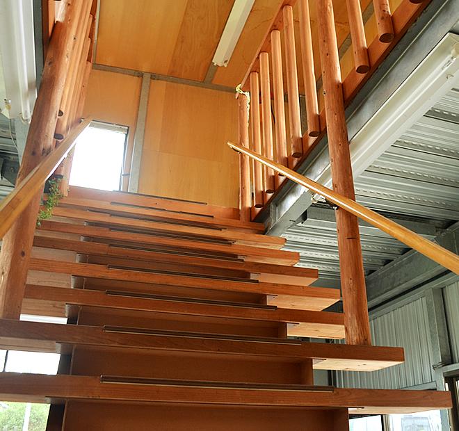 階段を上って2階へGO!